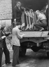Unloading Lorry - Gallery at War