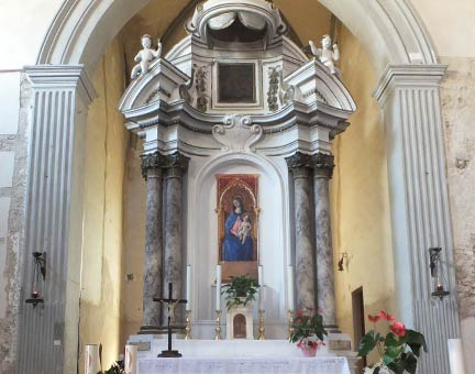 fig. 3 Interior view of the Church of Sant'Agostino, Asciano. Photograph: Luke Syson.
